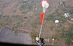 Десантники-резервісти здійснили понад 600 стрибків з парашутом (30014711012).jpg