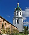 Зимне.Святогорський монастир - Надбрамна дзвіниця.jpg