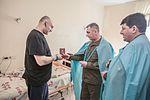 Командування Національної гвардії України відвідало поранених військовослужбовців на передодні Великодня 3309 (16463177284).jpg