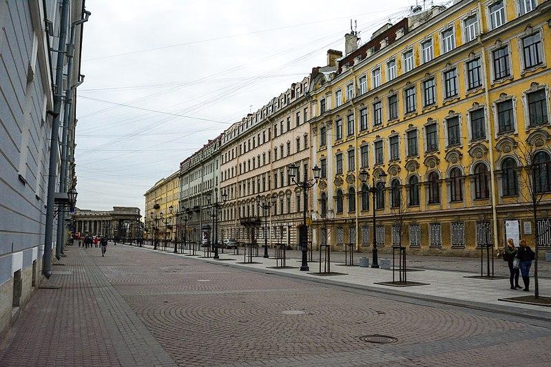 File:Малая конюшенная улица.jpg