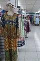 عکس مانکن با لباس زنانه در مرکز خرید دبی مول.jpg