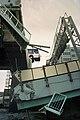 阪神・淡路大震災で阪神高速道路が崩壊し、転落しそうになった観光バス。.jpg