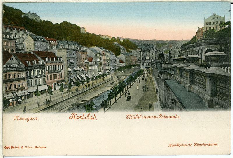 File:00644-Karlsbad-1898-Kreuzgasse, Mühlenbrunnen-Kolonade-Brück & Sohn Kunstverlag.jpg