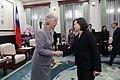 01.17 總統接見英國駐臺代表唐凱琳 - Flickr id 49397389226.jpg