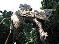 021 Castell de Púbol (Casa Museu Gala Dalí), un dels elefants de potes llargues al jardí.jpg