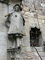 051 Castell de Santa Florentina (Canet de Mar), pati d'armes, herald i finestra.JPG