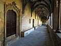 057 Sant Jeroni de la Murtra, galeria sud del claustre, porta del Sant Crist.JPG