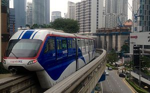 Rapid Rail - Image: 160316 KL Monorail leaving Raja Chulan station