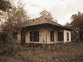 1930 - Casa din perioada interbelica - Bordei verde.png