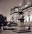 19880512601NR Dresden Semper Denkmal.jpg