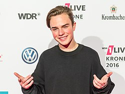 1LIVE Krone 2016 - 1700 - Roter Teppich - Mike Singer-5631.jpg