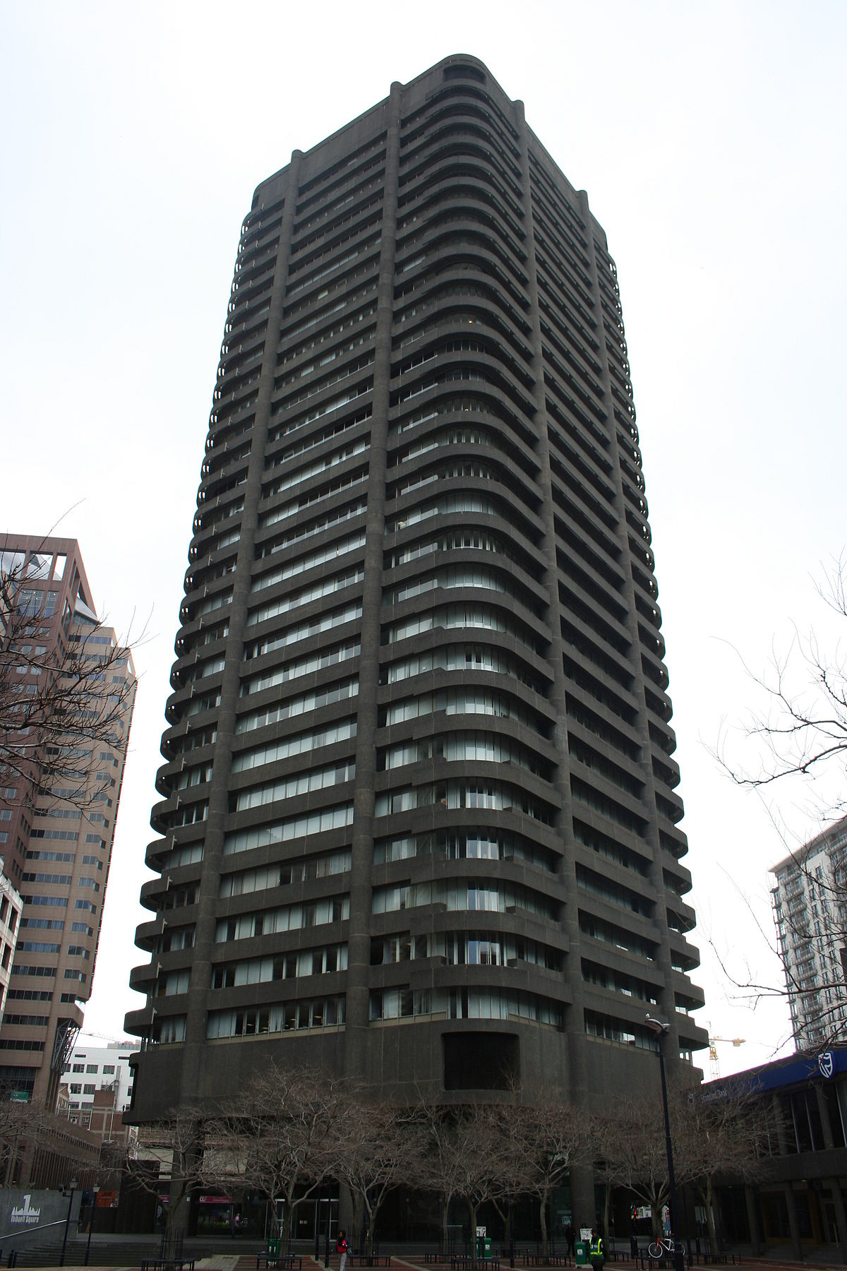 1 Thibault Square Wikipedia