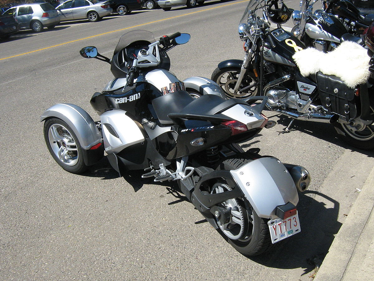 brp can am spyder roadster. Black Bedroom Furniture Sets. Home Design Ideas