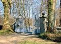 20120325260DR Hermsdorf (Ottendorf-Okrilla) Schloßpark-Tor.jpg