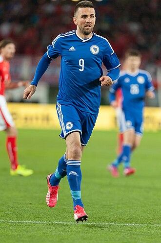 Football in Bosnia and Herzegovina - Image: 20150331 2202 AUT BIH 2609 Vedad Ibišević