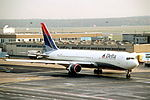 267as - Delta Air Lines Boeing 767-332ER, N194DN@FRA,24.11.2003 - Flickr - Aero Icarus.jpg