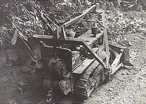 Battle of the Hongorai River - Image: AWM 092292 Hongorai River bulldozer 1945