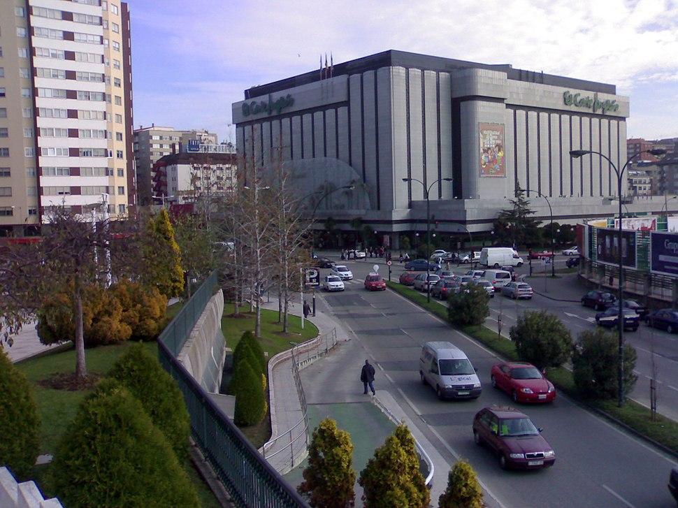 A Coruña, desde Plaza del Tebeo, El Corte Ingles - panoramio
