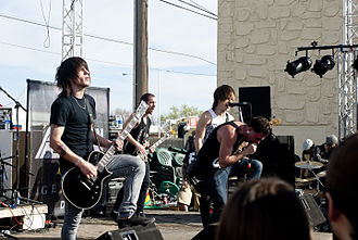 Abandon All Ships - Abandon All Ships live at the Cactus Courtyard venue in Lubbock, Texas (2011).