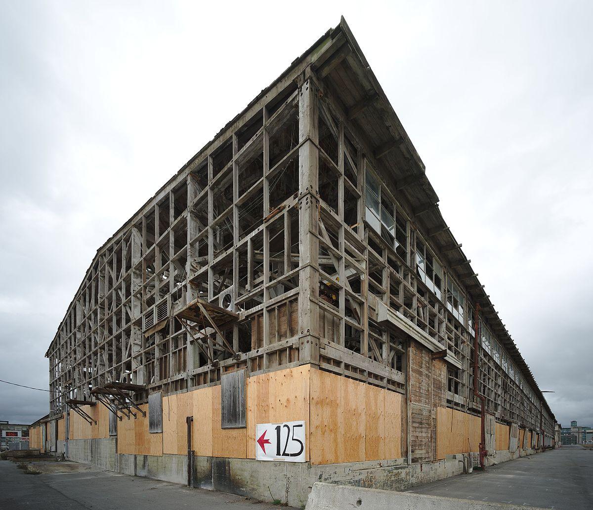 File:Abandoned Building At Hunters Point Shipyard, San