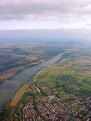 Mainz-Laubenheim - Aerial view of the Rhine at Laubenheim.