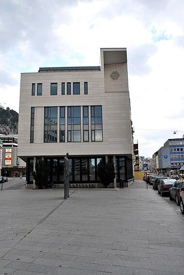 29023f0c Sparebanken Møres hovedkontor ligger i Ålesund.