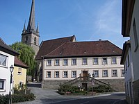 Altenkunstadt Pfarrhof Kirche.jpg