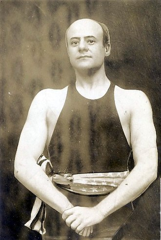 Anthony Joseph Drexel Biddle Sr. - Biddle as a boxer in 1909