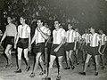 Argentina saludando publico lima 1957.jpg