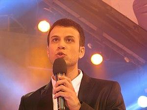 Assi Azar - Azar on stage, 2008