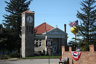 U.S. Route 66 in Illinois - Public library and tower clock on the town square in Atlanta