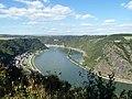 Aussicht vom Loreleyblick Maria Ruh auf das Rheintal mit der Loreley - panoramio.jpg