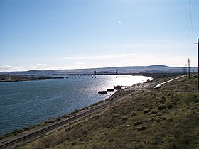 BNSF Snake River Drawbridge.jpg