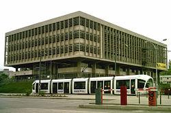 BU la Doua avec tram.jpg