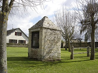 Banville, Calvados - A covered well in Banville