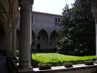 Basilica of Saint Anthony of Padua courtyard.jpg