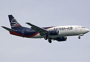 Batavia Air - Batavia Air Boeing 737-300 Landing at Sultan Syarif Kasim II Airport