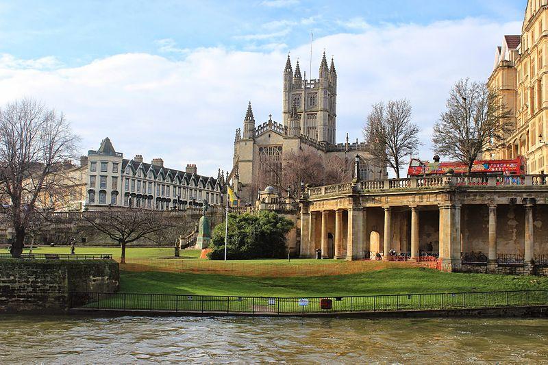 File:Bath Abbey From River Avon 2014.JPG