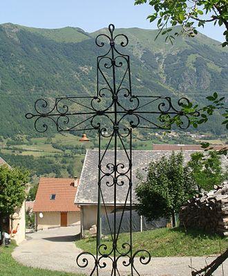 Beaufin - An Iron wayside cross