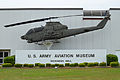 Bell AH-1S Cobra 0-17109 (10562154974).jpg