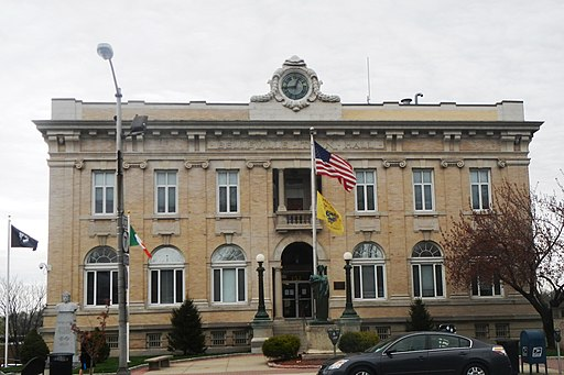 Belleville town hall Wash Av cloudy jeh
