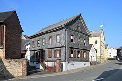 Berghausen - Wohnhaus, Hauptstraße 11.jpg