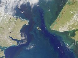 تنگه برینگ. Port Clarence bay is the large bight in the  southeast; Grantley Harbor extends inland to the east of it
