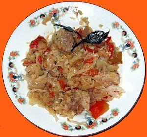 Bigos - A plate of bigos