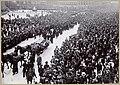 Bjørnsons båre fraktes fra jernbanestasjonen til havna, København, mai 1910. (4534010925).jpg