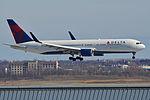 Boeing 767-332ER(w) 'N1605' Delta (25673168602).jpg