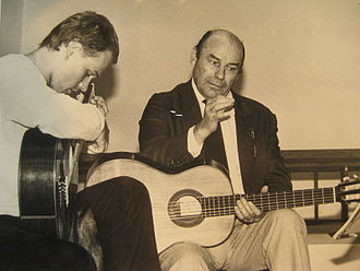 Julian Bream - Bream (right) in Liechtenstein in 1985