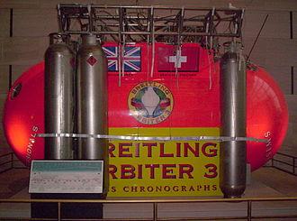 Breitling Orbiter - Image: Breitling Orbiter Side