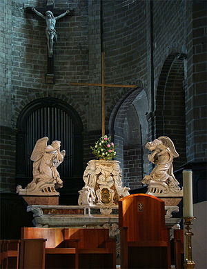 Vannes Cathedral - The main altar