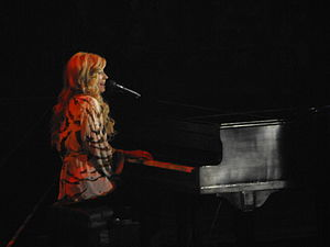 Brooke White - White performing during the American Idols Live! Tour 2008.